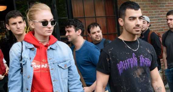joe-jonas-sophie-turner-couple-up-after-met-gala-social